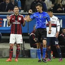 Menez Dihukum Empat LagaJeremy Menez dipastikan tak bisa memperkuat AC Milan sebanyak empat laga, karena sang pemain melakukan penghinaan terhadap wasit di laga melawan Genoa.