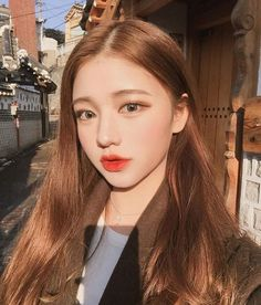 Image about girl in ulzzang by Tropical_a on We Heart It Ulzzang Korean Girl, Cute Korean Girl, Korean Beauty Girls, Asian Beauty, Brown Hair Chart, Korean Hair Color, Ulzzang Makeup, Uzzlang Girl, Hair Dye Colors