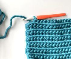 Crochet Diy, Crochet Simple, Easy Crochet Stitches, Crochet Stitches For Beginners, Beginner Crochet Projects, Crochet Videos, Crochet Basics, Crochet Crafts, Easy Knitting