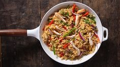 Try this Fajita Chicken Rice Skillet for dinner tonight for a different take on fajitas! Cook chicken completely on a skillet then set aside. In the same skillet, cook green peppers, onion and chili powder until vegetables are crisp-tender. Stir in water and Knorr® Rice Sides™ - Chicken and boil, then simmer for 7 minutes. Add chicken to skillet, then top with cheese and let stand melted. Serve with tortillas, lime wedges, sour cream and fresh cilantro. Just one skillet for this delicious…