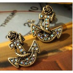Vintage Boat Anchor Stud Earrings. Too cute @Haleigh Byrnes  well these look familiar!