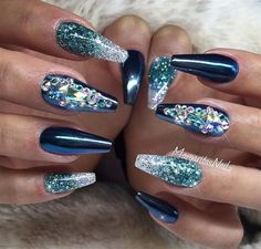 Glitter Nails | 10 Creative Ways To Be Sparkingly Beautiful With Glitter Makeup