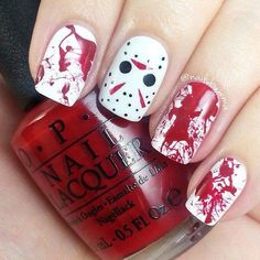 Jason Voorhees and blood splatter nails! I love the blood splatter on it's own for halloween but Jason adds a little something extra. Polishes used: OPI 'Alpine Snow', 'My Boyfriend Scales Walls', 'Cinnamon Sweet' & a black gel pen. Nail Art Designs, Pretty Nail Designs, Dark Nail Designs, Halloween Nail Designs, Halloween Nail Art, Halloween Party, Halloween 2016, Easy Halloween, Halloween Makeup