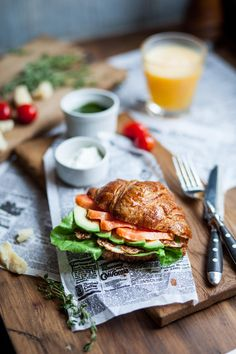 Круассан - croissant with avocado , salmon,salad