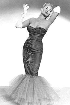 Mermaid satin    Lana Turner