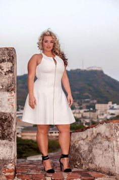 Laura Lee Work it - SlimmingBodyShapers underneath would help you wear a dress like this and bring out the best of your curves like this model #slimmingbodyshapers   slimmingbodyshapers.com