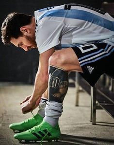 Lionel Messi is ready for the 2018 FIFA World Cup Russia! Messi 10, Lional Messi, Messi Soccer, Neymar, Messi Argentina 2018, Argentina World Cup 2018, Argentina Football Team, Argentina Team, Argentina Soccer