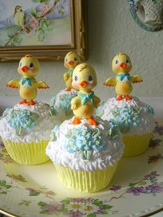 love, love love these  Vintage Easter Chick Faux Cupcakes by sweetnshabbyroses, via Flickr