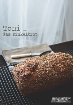 Toni … das Dinkelbrot Toni the easiest spelled flour no knead bread ever … the simplest spelled bread without kneading that exists – Bread Recipes, Cake Recipes, Cooking Recipes, Fruit Cake Loaf, Homemade Brioche, Homemade Rolls, No Knead Bread, Keto, Pampered Chef