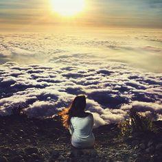 Aos cansados Ele dá novas forças e enche de energia os fracos. [Isaías, 40:29]  #fé #euacredito #boanoite ❤️ #repost @colecionofelicidade