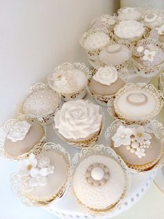 lace cupcakes to surround two tiered lace cake. Incorporate Slate, and yellow into color Tolle Cupcakes, Lace Cupcakes, Wedding Cakes With Cupcakes, Wedding Cookies, Fun Cupcakes, Cupcake Cookies, Beautiful Cupcakes, Gorgeous Cakes, Hessian Wedding
