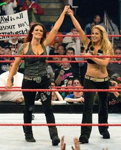 Lita and Trish Stratus Wrestling Divas, Women's Wrestling, Wwe Highlights, Wwe Lita, Wwe Trish, Wrestlemania 29, Rowdy Ronda, Trish Stratus, Wwe Female Wrestlers