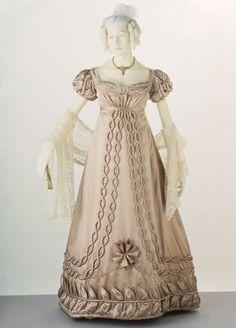 Evening dress, 1820-23, Centraal Museum