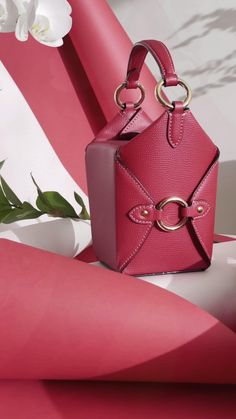 Leather Box, Small Leather Goods, Leather Handbags, Red Aesthetic, Aesthetic Design, Minimalist Style, Minimalist Fashion, Wooden Bag, Lucky Colour