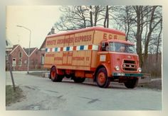 DAF gesloten truck - Eerste Groningen Express in Groningen Classic Trucks, Old Cars, Cars And Motorcycles, Jeep, Automobile, Model, Autos, Photograph Album, Nostalgia