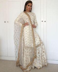 Ideas For Dress Pattern Indian Kurti Desi Wedding Dresses, Pakistani Wedding Outfits, Pakistani Bridal Wear, Pakistani Dress Design, Bridal Lehenga, Pakistani Couture, Bridal Outfits, Pakistani Dresses, Indian Attire