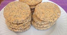 Ingredientes 200 g farinha T55 10 g de linhaça triturada 30 g de azeite 50 g sementes de chia 1 c. chá sal fino 1 ovo Água ...
