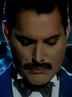 The beautiful man and legend Freddie Mercury Freddie Mercuri, Queen Lead Singer, King Of Queens, A Kind Of Magic, Roger Taylor, Queen Love, Queen Pictures, Greatest Rock Bands, We Will Rock You