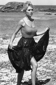 Бриджит Бардо – ББ – не просто икона 50-х и легенда кино, эта женщина, красота и раскрепощенность которой в свое время взорвала парижский интеллектуальный бомонд, вошла в историю Франции как первая актриса, ставшая символом целой страны. Знали ли вы о том, что у Марианны, героини французской республики, чей профиль вы найдете на любом официальном французском...