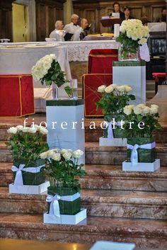 Fioreria Oltre/ Wedding ceremony/ Church wedding flowers/ White roses  https://it.pinterest.com/fioreriaoltre/fioreria-oltre-wedding-ceremonies/