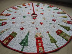 Weihnachtsbaumdecke-Quilt Decke mit Applikation Hergestellt aus hochwertige Baumwollstoff mit Golddruck,Volumenvlies Der Durchmesser ist ca 106 cm Die Decke ist bei 30 bis 40 Grad waschbar