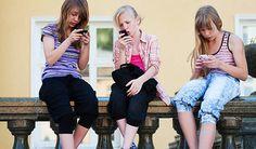 WhatsApp erlauben – ja oder nein? Für Jugendliche ist WhatsApp ein wichtiger Kanal, um mit Freunden in Kontakt zu bleiben. Sicherheitslücken, Alternativen