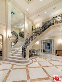 The property 517 N Rexford Dr, Beverly Hills, CA 90210 is currently not for sale on Zillow. Home Stairs Design, Dream Home Design, House Design, Luxury Interior Design, Interior Architecture, Luxury Staircase, Mansion Bedroom, Ultra Modern Homes, Luxury Homes