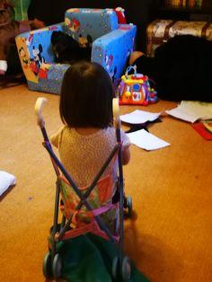 De ce sunt eu mândră de Ania la 2 ani şi 8 luni: -pentru că va deveni un strălucit regizor dacă asta îşi va dori: când ne jucăm împreună îmi dictează ...