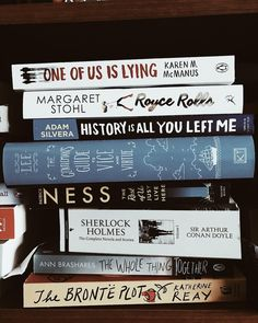 Previous Pinner: Just finished one of us is lying. Kind of like, the breakfast club with a hint of Veronica Mars! I Love Books, Good Books, Books To Read, My Books, Book Nerd, Book Club Books, Book Lists, Reading Lists, Book Challenge