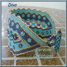 Merci Laulo :-))) J'ai pris to Seed Bead Patterns, Jewelry Patterns, Bracelet Patterns, Beading Patterns, Beaded Bracelets Tutorial, Woven Bracelets, Peyote Beading, Beadwork, Handmade Beaded Jewelry