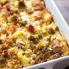 This cowboy casserole is the perfect breakfast or brunch food. It& super hearty and filling, packed with meat and veggies, and it& easy to make ahead. Best Breakfast Casserole, Brunch Casserole, Bacon Breakfast, Breakfast Dishes, Casserole Recipes, Breakfast Recipes, Cowboy Casserole, Perfect Breakfast, Breakfast Ideas
