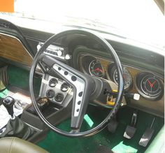 1972 Ford Cortina 2000GXL dash - @steelasophical