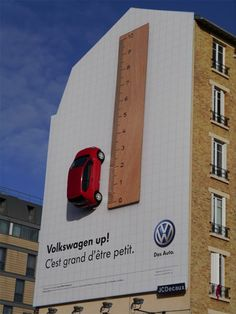 Volkswagen en tout petit! #BeInfluent #StreetMarketing Billboard Design, Advertising Agency, Advertising Ideas, Creative Advertising, Out Of Home Advertising, Advertising Design, Best Ads, Guerrilla Marketing, Street Marketing