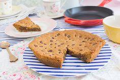 Vídeo receta paso a paso para elaborar una cookie gigante rellena de Nutella. Trucos y consejos de la receta.