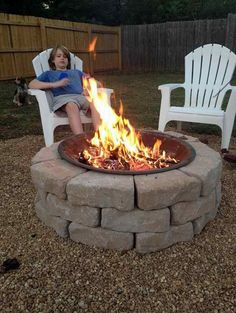 On a Budget Fire Pit | 10 DIY Outdoor Fireplace Ideas to Combat the Winter Chill, see more at: http://diyready.com/10-diy-outdoor-fireplace-ideas-to-combat-the-winter-chill/