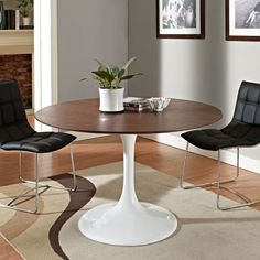 Tulip Table Replica  Round Dining Table