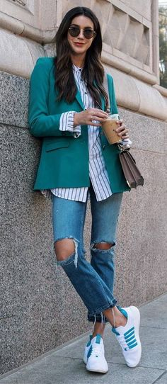 what to wear with a green blazer : stripped shirt bag ripped jeans sneakers
