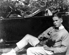 a young Humphrey Bogart