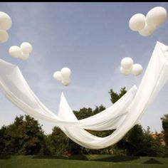 OMG! Ballon canopy, I love it!