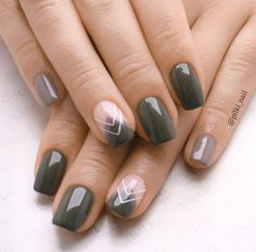 36 Perfect and Outstanding Nail Designs for Winter 2018 36 Perfect and Outstanding Nail Designs for Winter dark color nails; nude and sparkle nails; Winter Nail Art, Winter Nail Designs, Autumn Nails, Winter Nails, Nail Art Designs, Fall Nail Art Autumn, Shellac Nail Designs, Blog Designs, Dark Color Nails