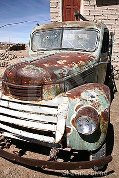 Old and rusty retro truckwreck