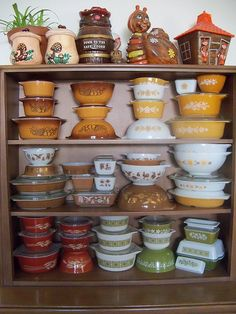 Pyrex collection...vintage...I have a few of these pieces myself.