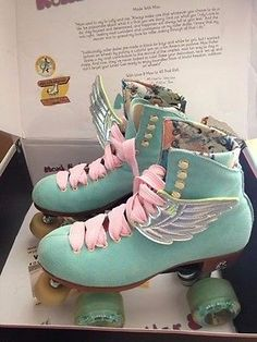 Moxi Lolly Floss Girl's Roller Skates Pastel Pink & Aqua w Silver Wings Roller Disco, Roller Derby, Roller Skate Shoes, Roller Skating, Rollers, Quad Skates, Skater Girls, Swagg, Cute Shoes