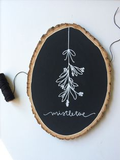 Mistletoe Chalkboard Sign, Wood Sign, Wood Slice Sign, Christmas Decor by lovewellhandlettered on Etsy Christmas Wood, Christmas Signs, Christmas Projects, All Things Christmas, Holiday Crafts, Christmas Holidays, Christmas Decorations, Christmas Ornaments, Xmas