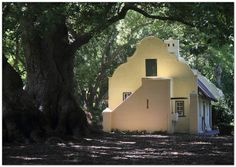 """Vergelegen (Dutch: """"remotely situated"""") is an historic wine estate near Somerset West, in the Western Cape province of South Africa. Colonial Architecture, Architecture Details, House Architecture, Village House Design, Village Houses, Dutch House, My House, Wood Floor Pattern, Cape Dutch"""