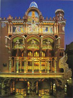 El Palau de la Música Catalana, Barcelona, España  (Palace of Catalan Music – Barcelona, Spain).