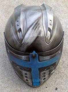 Casti de motocicleta cu design interesant
