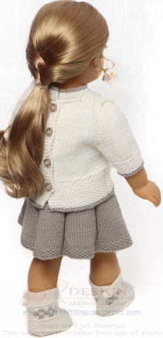 Strikke dukkeklær - Dukkens lyse, lette klær til den lyse årstiden