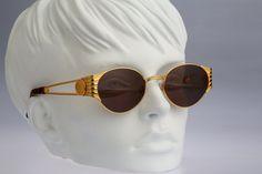 89b130e2cd51 Fendi FS299   Vintage sunglasses   NOS   90S by CarettaVintage Vintage  Sunglasses