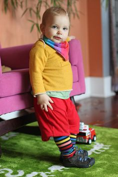 Boy or girl I really wish to avoid overtly gendered clothing for Smalls. This article has some good pointers.